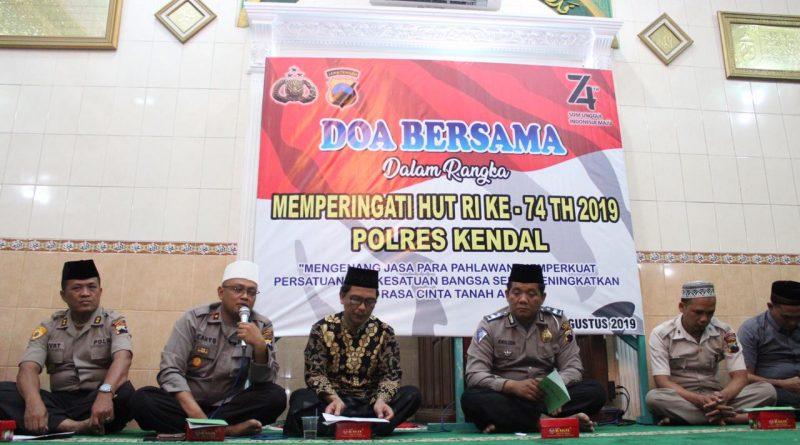 Peringati HUT Kemerdekaan Indonesia ke 74 Polres Kendal Gelar Doa Bersama