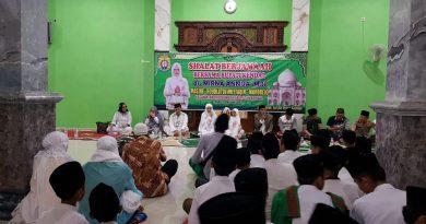 Kapolres Kendal dan Forkompimda Sholat Berjamaah Bersama Warga di Kaliwungu