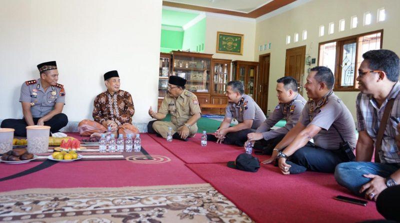 Kapolres Kendal Silaturahmi ke Kediaman Ketua PCNU Kendal