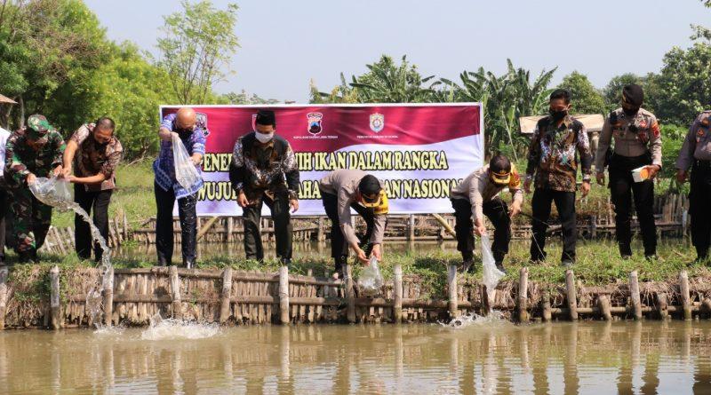 Dengan Kampung Siaga Candi Polres Kendal Wujudkan Ketahanan Pangan di Desa Tambaksari