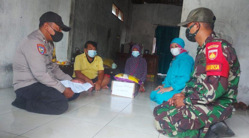 Personel Polsek Kaliwungu Lakukan Tracking Kontak Covid 19 Di Desa Mororejo