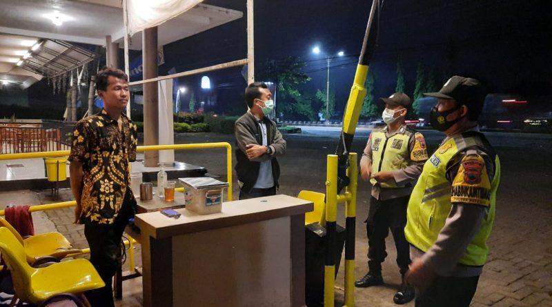 Cegah Kejahatan, Polsek Singorojo Laksanakan Patroli Blue Light