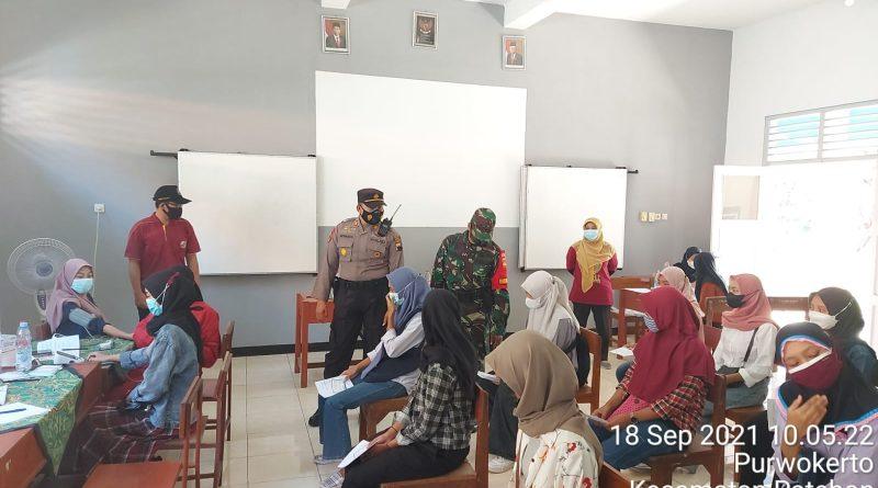 Polsek Patebon Pantau Pelaksanaan Vaksinasi Covid 19 Di Wilayah Kecamatan Patebon