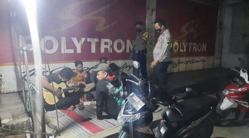 Perketat PPKM Polsek Weleri Laksanakan Penindakan Jam Operasional